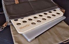 Protección contra el calor: Comodidad debe incluir control de la temperatura pero portátiles liberan calor continuo. Ventilación de aire de la SlateGo se refresca abajo nuestros portátiles. Cualquiera del calor restante se absorbe dentro de bambú natural.  Tamaño de viaje: El SlateGo es notablemente ligero, cuenta con un diseño ultra delgado y pesa poco más de 20 onzas. Es tamaño para ajustarse a cualquier ordenador portátil - 13, 15 o 17 pulgadas. Sin dejar de mencionar, es excepcionalmente…