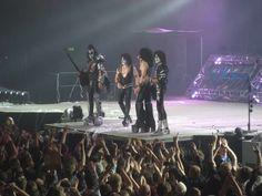 #kiss #paulstanley #starchild #guitar #frontman #livetowin #bass #demon #genesimmons #godofthunder #blood #tongue #fire #tommy #guitar #spaceman #ericsinger #catman #drummer #kissarmy #kissband #kisstory #kissonline