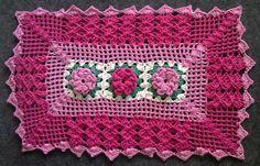 Capatex Barbantes: Tapete de Crochê Retangular com Rosas