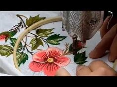 Knitting Embroidery Videos and Lessons Simple Embroidery, Hand Embroidery Designs, Embroidery Stitches, Embroidery Patterns, Freehand Machine Embroidery, Sewing Machine Embroidery, Knitting Stiches, Magic Circle, Crochet Girls