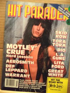 1990 MARCH HIT PARADER MAGAZINE - MOTLEY CRUE - GREAT COVER & CENTERFOLD -