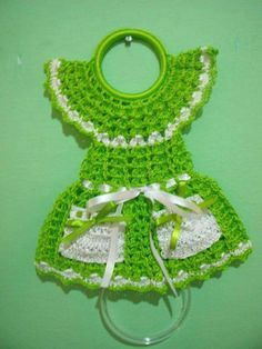 Best 12 I am looking for this pattern. Please I am willing to purchase if anyone has this pattern. crochet kitchen dress up pot holder Crochet Owls, Crochet Butterfly, Crochet Potholders, Crochet Pillow, Crochet Home, Crochet Gifts, Crochet Doilies, Crochet Flowers, Crochet Baby