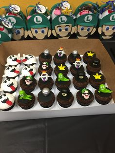 Luigi Gift bags and Luigi's Mansion Cupcake Toppers Mario Birthday Cake, Birthday Cake Pops, Boy Birthday, Mario Bros, Mario And Luigi, Luigi's Haunted Mansion, Luigi Mansion, Nintendo Party, Super Mario Party