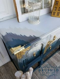 25 coolest home decor projects unique home decor projects diy painting table Refurbished Furniture, Paint Furniture, Repurposed Furniture, Furniture Projects, Furniture Makeover, Diy Projects, Furniture Websites, Gold Leaf Furniture, Modern Furniture