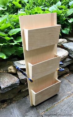 New diy desk organization boxes mail sorter ideas Diy Wood Projects, Wood Crafts, Woodworking Projects, Diy And Crafts, Easy Crafts, Wand Organizer, Mail Organizer Wall, Mail Holder Wall, Desk Organization Diy