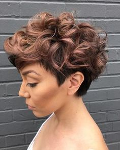 Women'S Tapered Curly Haircut. The color!