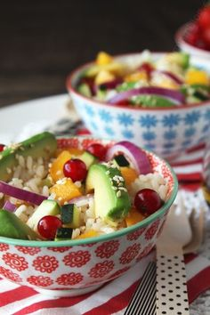 Salade de riz avocat nectarine