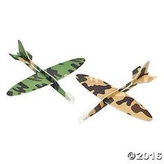 48 Army Camouflage Airplane Gliders - Army Camo Party Favors For the kids attending Camouflage Party, Camo Party, Nerf Party, Army Camouflage, Army Birthday Parties, Army's Birthday, Birthday Ideas, Summer Birthday, Army Party Decorations