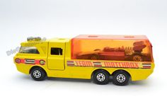 Matchbox Lesney Racing Car Transporter King Size by DieCastMungo, Matchbox Autos, Matchbox Cars, 70s Toys, Corgi Toys, Space Toys, Hot Wheels Cars, Jeep Truck, Diecast Model Cars, Childhood Toys