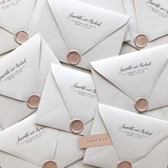 Blush wax seals on white wedding envelopes Simple Wedding Invitations, Wedding Invitation Design, Wedding Stationary, Wedding Invitation Envelopes, Diy Wedding Envelopes, Invitation Templates, Invites, Invitation Wording, Sweet Messages