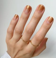 10 Beautiful Nail Designs To Wear This Fall - Wonder Forest : So you know that wild glitter eyeshadow that was constantly worn in Euphoria? These are the nail equivalent, and I'm here for it. Gel Nails At Home, New Year's Nails, 3d Nails, Colorful Nail Designs, Beautiful Nail Designs, Spring Nail Colors, Spring Nails, Summer Nails, Champagne Nails