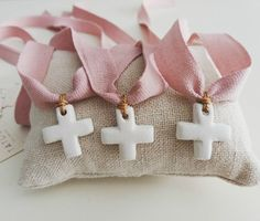 blog primera comunion Christening Party Favors, Baptism Gifts, Christening Gifts, Lace Candles, Honey Favors, Baby Boy Or Girl, First Communion, Baby Party, Holidays And Events