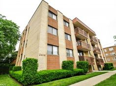 2416 W Foster Ave, Chicago, IL 3 beds 2 baths 1,357 sqft $185,000