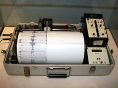 Kinemetrics seismograph - Sismómetro - Wikipedia, la enciclopedia libre