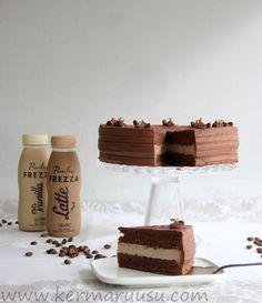 Kermaruusu: Kylmät kahvijuomat leivonnaisissa, suklaakakku