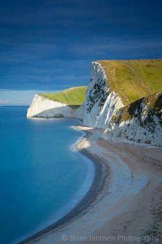 Jurassic Coast - Dorset, England - ©️️ Brian Jannsen ~ It's a Beautiful World - Mother Nature Landscape Photography, Nature Photography, Travel Photography, Photography Poses, England And Scotland, Dorset England, England Uk, Places To Travel, Places To See