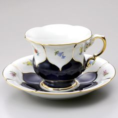 マイセン 食器 / ドイツ製 陶磁器。マイセン (Meissen) 金彩小花 コバルト コーヒーカップ&ソーサー 16582