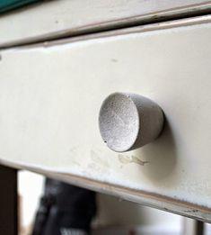 El cemento  o concreto  tiene mil y una posibilidades para la creación de elementos decorativos, piezas puramente artísticas o combinacione...