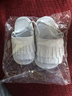 c70a8b36bd5 NWT 6 - 12 Month Baby Moccasin Sandals Fringe Soft Sole Genuine Leather  Ivory  fashion