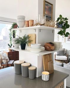 How This NYC Apartment Owner Keeps Her Home Tidy - Organized-ish by Lela Burris Open Plan Apartment, Apartment Kitchen, Small Apartment Layout, York Apartment, Apartment Interior, Apartment Design, Apartment Living, Apartment Ideas, Small Apartment Organization