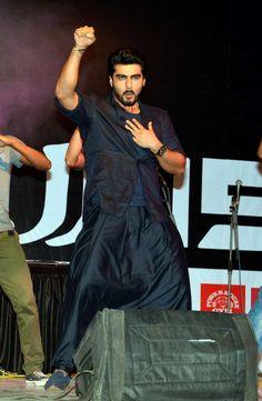 Sonakshi Sinha and Arjun Kapoor promoting Tevar at Mithibai College in Mumbai. #Bollywood #Fashion #Style #Handsome