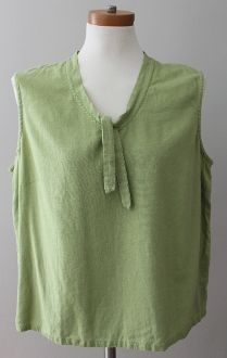 Hand selected by expert color analyst for Warm Spring! Warm Spring pear top preowned XLARGE CHRISTOPHER & BANKS Warm Spring pear top. This great linen sleeveless top boasts a fun tie detail at collar. 100% machine washable linen. #christopher&banks #warmspring #warmspringclothes #coloranalysis #warmspring #warmspringclothes #warmspringclothing