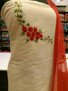 Goldoozi Zardozi Embroidery, Embroidery On Kurtis, Hand Embroidery Dress, Kurti Embroidery Design, Embroidery Neck Designs, Embroidery On Clothes, Creative Embroidery, Embroidery Fashion, Hand Embroidery Patterns