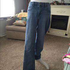 505 straight leg Levi's On small little white blemish at knee area as seen in close up photo. Levi's Pants Straight Leg