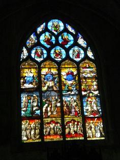 Vitraux de l'église de St Genes Thiers
