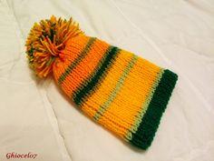 Caciulita portocaliu cu verde Knitted Hats, Knitting, Fashion, Green, Moda, Tricot, Fashion Styles, Breien, Stricken