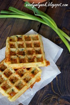 Wytrawne gofry ziemniaczane (---) Yummy Eats, Waffles, Lunch Box, Healthy Eating, Healthy Recipes, Food And Drink, Dinner, Cooking, Breakfast