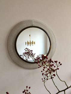 Vintage runder Spiegel,  Mid century Spiegel, Spiegel Messing, original  50ziger Jahre, Mategot Stil Spiegel, String Ära von moovi auf Etsy