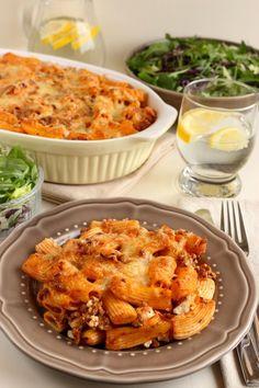 Húsos rakott tészta Meat Recipes, Wine Recipes, Hungarian Recipes, Penne, I Love Food, Macaroni And Cheese, Feta, Meals, Baking