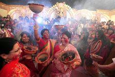 DhavaL ॐनितनिजानंदी — Celebrating Our Goddess Supreme ~The Bengali...