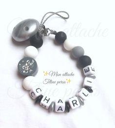 attache tétine personnalisée perles en bois ~ modèle note de musique gris silicone