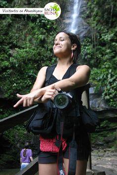 Visitantes a las cataratas de  Ahuashiyacu, Agencia de Viajes y Turismo Sacha Runa Tarapoo