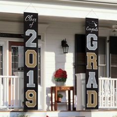 graduation celebration pictures graduation celebration signs graduation signs These Graduation Banner Flags read Class of 2019 and Congrats Grad. Hang these banner flags on your front porch to add a decorative touch to your grad party! Graduation Yard Signs, Outdoor Graduation Parties, Graduation Party Centerpieces, Graduation Party Planning, Graduation Open Houses, College Graduation Parties, Graduation Banner, Graduation Celebration, Craft Ideas