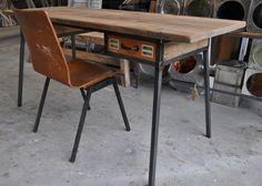 Bureau staal met oud hout