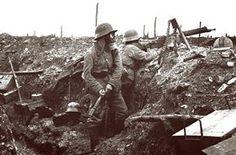 De Slag bij Verdun wordt de grootste uit de wereldgeschiedenis genoemd. Nooit is er zo langdurig, met inzet van zoveel mensen, strijd geleverd op zo'n beperkt grondgebied. Deze veldslag, die woedde van 21 februari 1916 tot 19 december 1916, eiste naar schatting meer dan 700.000 doden, gewonden en vermisten op een slagveld nauwelijks groter dan tien bij tien kilometer.