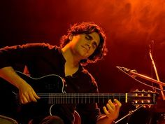 Com entrada Catraca Livre, o filho de Almir Sater  toca acompanhado por Thadeu Romano (acordeão) no dia 14, e por João Gaspar (violão e baixo) no dia 28, sempre às 13h30.
