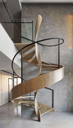 escalier en bois et colimaçon avec rampe design