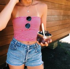 red and white striped tube top with medium wash jean shorts cute sunglasses prob from OU Cute Summer Outfits, Spring Outfits, Trendy Outfits, Cute Outfits, Outfits For Hawaii, Cute Summer Tops, Beach Outfits, Grunge Outfits, Summer Clothes