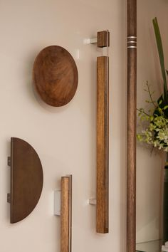 Strong natural and sturdy Designer Doorware Timber Collection offers an organic appeal to any door. Door Design Interior, Door Design, Wooden Doors, Door Handle Design, Wood Closet Doors, Wooden Handles, Wood Door Handle, Furniture Handles, Modern Wood Doors