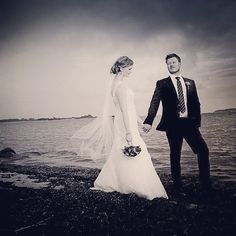 Black and White wedding #brud #bride #bryllup #brudepar #bryllupsfoto #voresstoredag #bryllupsbilleder #bryllupsfotograf #fotograf #wedding #weddings #weddingforum #weddingphotos #photography #photographer #photographers #instawed #instabride