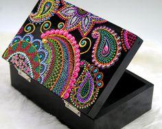 Hippy Yippee Wooden Box от ibelief на Etsy