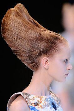 Alexander McQueen Spring 2010 Ready-to-Wear Fashion Show Details