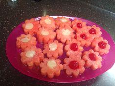 Antipasto di anguria ananas e ciliegine