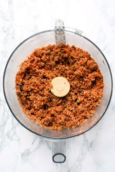 These healthy carrot cake bites remind you of an indulgent slice of cake, but are actually good for you! They're vegan, no-bake and seriously delicious! Healthy Sauces, Healthy Dessert Recipes, Vegan Snacks, Healthy Baking, Vegan Desserts, Flourless Desserts, 100 Calories, Plant Based Meal Planning, Healthy Carrot Cakes