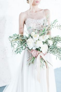 Minimalist bridal shoot in green and white