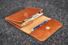 Leather Books, Cow Leather, Leather Craft, Simple Wallet, Hand Wax, Simple Colors, Vegetable Tanned Leather, Hand Stitching, Wool Felt